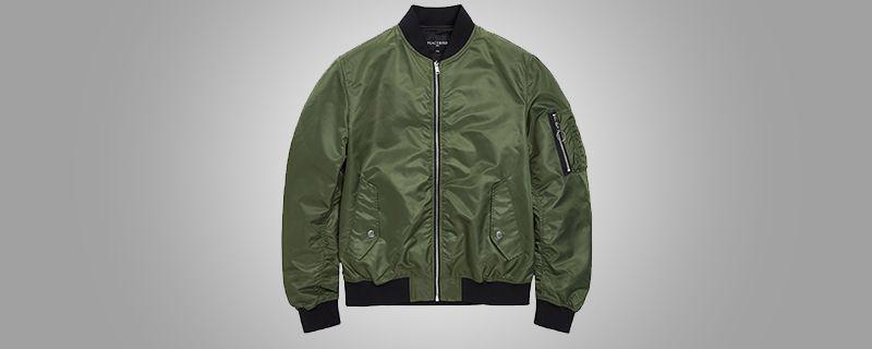 军绿色外套里面穿什么1.jpg