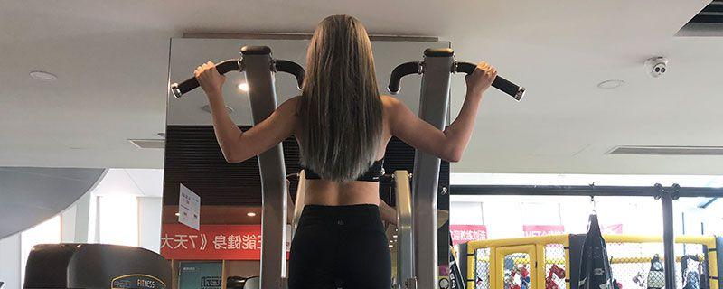 健身动作76.jpg