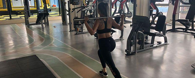 健身动作9.jpg