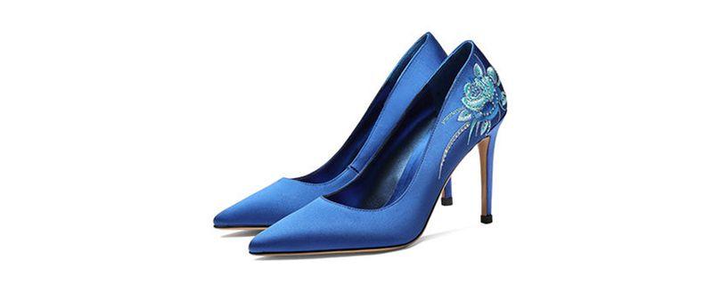 蓝色鞋子配什么颜色裤子2.jpg
