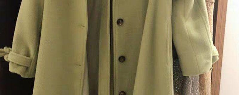 绿色大衣配什么颜色内搭插图