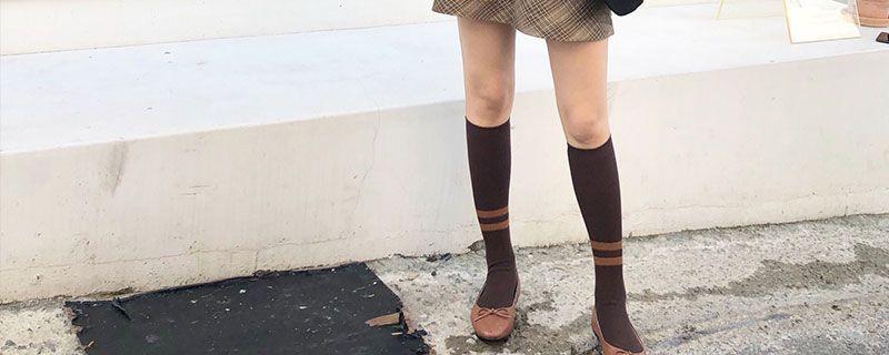 长筒袜配什么裤子插图